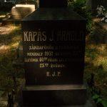 Kapás J. Arnold síremlék